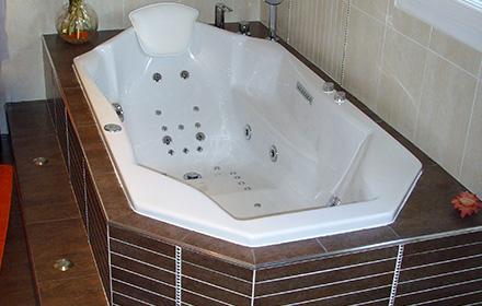 baignoire baln o une place adagio hydromassage. Black Bedroom Furniture Sets. Home Design Ideas