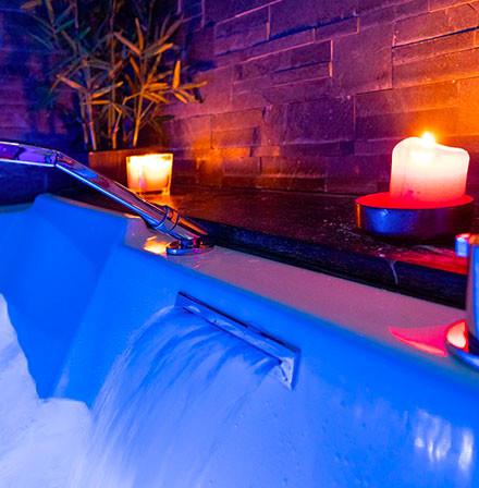 baignoire baln o baignoire thalasso sur mesure. Black Bedroom Furniture Sets. Home Design Ideas